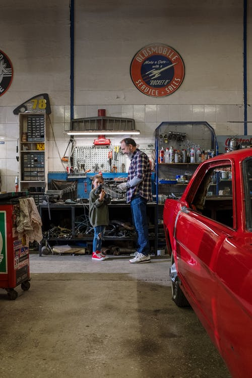 Foto stok gratis ahli mesin, anak perempuan, anak wanita, ayah