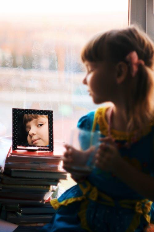 Бесплатное стоковое фото с вертикальный, девочка, девушка