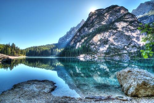 Gratis lagerfoto af bjerge, bjergsø, bjergtinde, dagslys