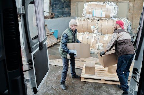 Darmowe zdjęcie z galerii z biznes, dorosły, dostawa, furgonetka