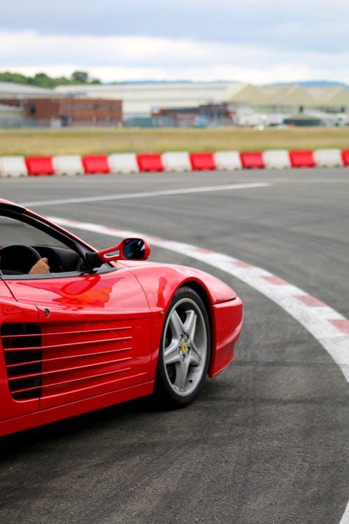 フェラーリ, レーシング, レーストラックの無料の写真素材