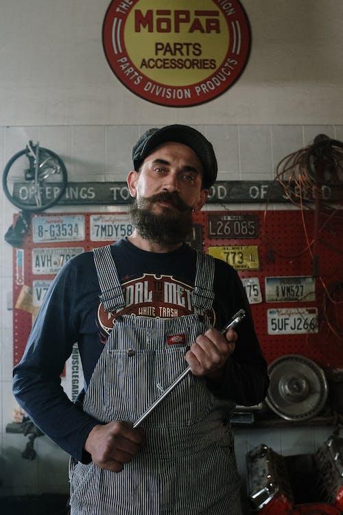 Darmowe zdjęcie z galerii z brodaty, garaż, licencja, mechaniczny