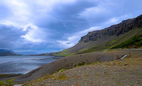 山岳, 岩, 崖, 水の無料の写真素材
