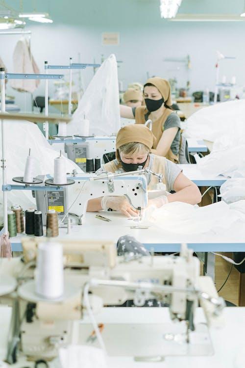 Ingyenes stockfotó alapvető szolgáltatás, álló kép, arc maszk, beltéri témában