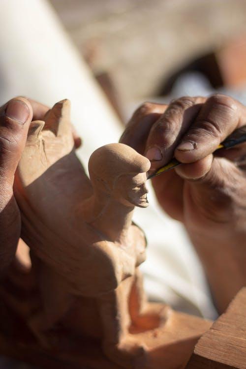 Foto stok gratis agama, anak, buatan tangan, dewasa