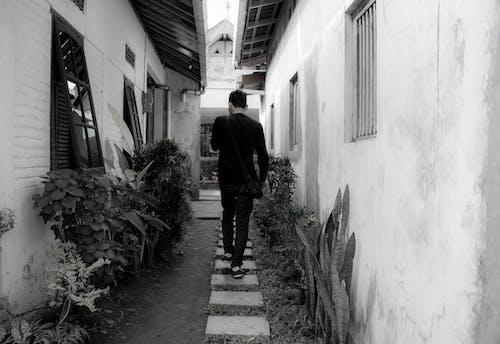 Základová fotografie zdarma na téma černobílá, muž