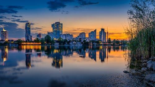 Immagine gratuita di acqua, alba, architettura