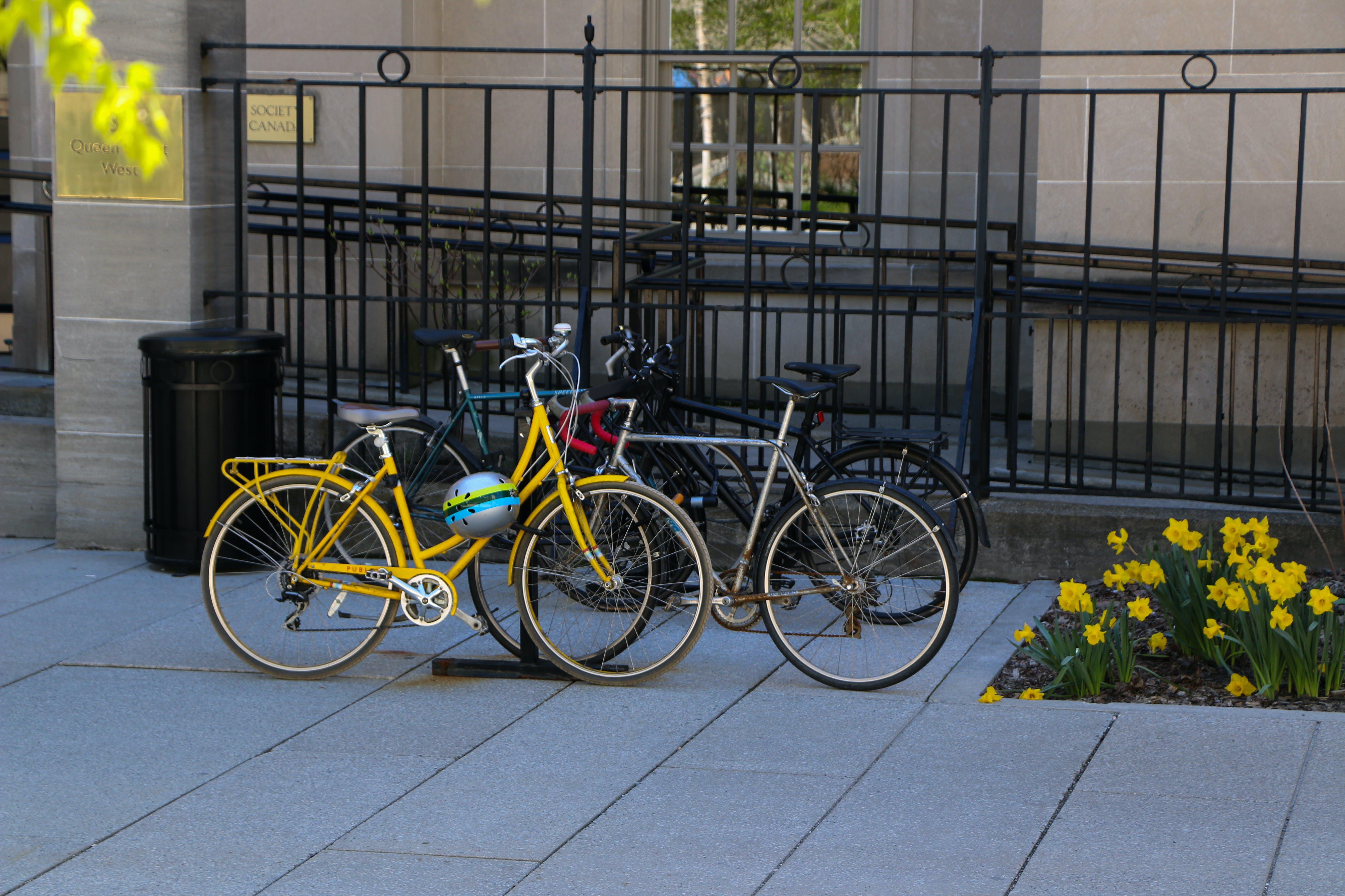 오토바이 라이더, 자전거, 휴식의 무료 스톡 사진