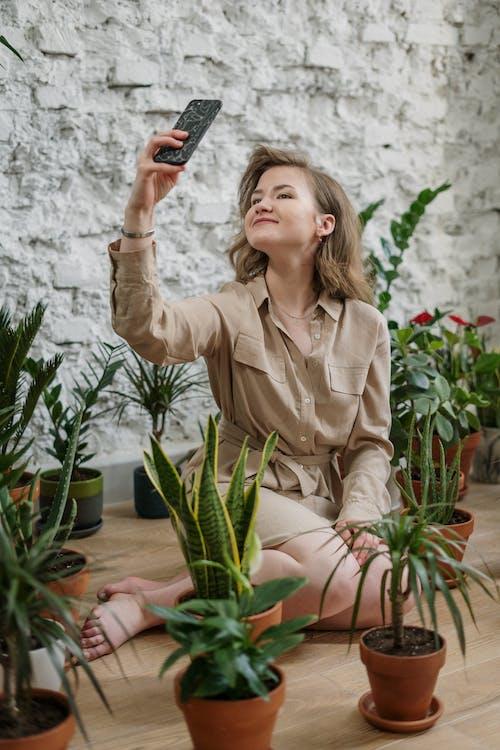 Бесплатное стоковое фото с активный отдых, ботаника, брюнетка