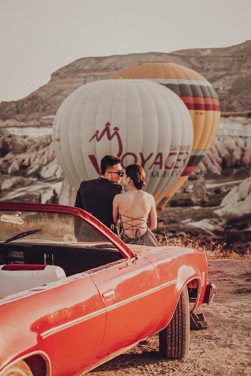 Gratis lagerfoto af bil, eventyr, fly, folk