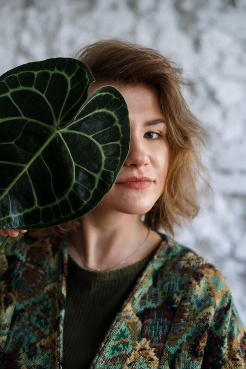 Fotobanka sbezplatnými fotkami na tému čerstvý, dievča, domáce rastliny