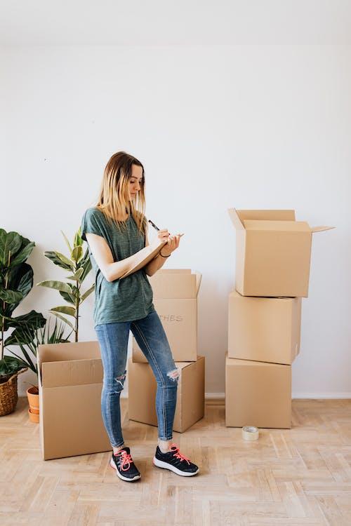 Kostenloses Stock Foto zu auspacken, beachten, bereiten, bewegung