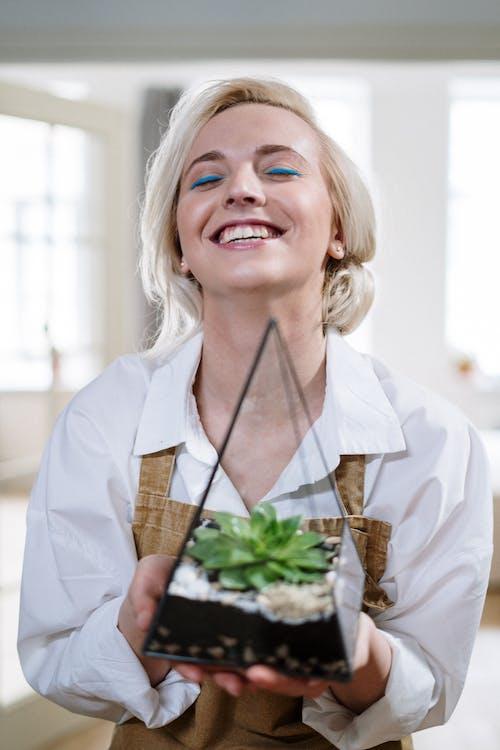 Kostenloses Stock Foto zu blond, blumenzucht, boden