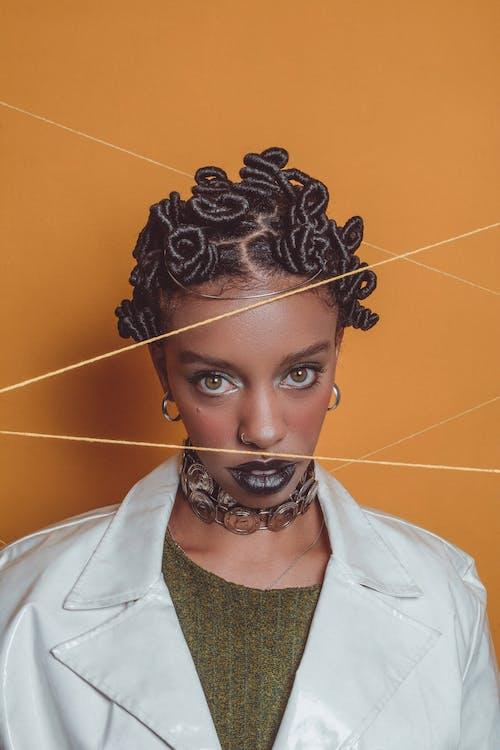 Afro, aktör, aşındırmak, aşınmak içeren Ücretsiz stok fotoğraf