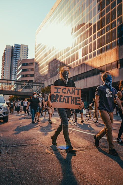 Pessoas Protestando Na Rua
