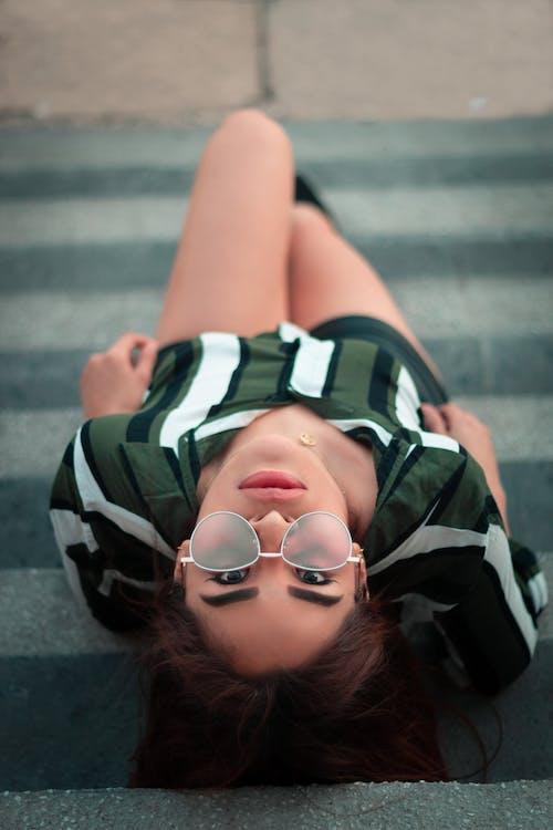 Gratis stockfoto met bolsa de maquillaje, chica sexy, de moda, fashion