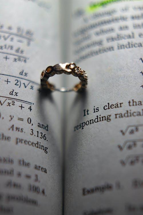 Darmowe zdjęcie z galerii z formuła, książka, matematyka