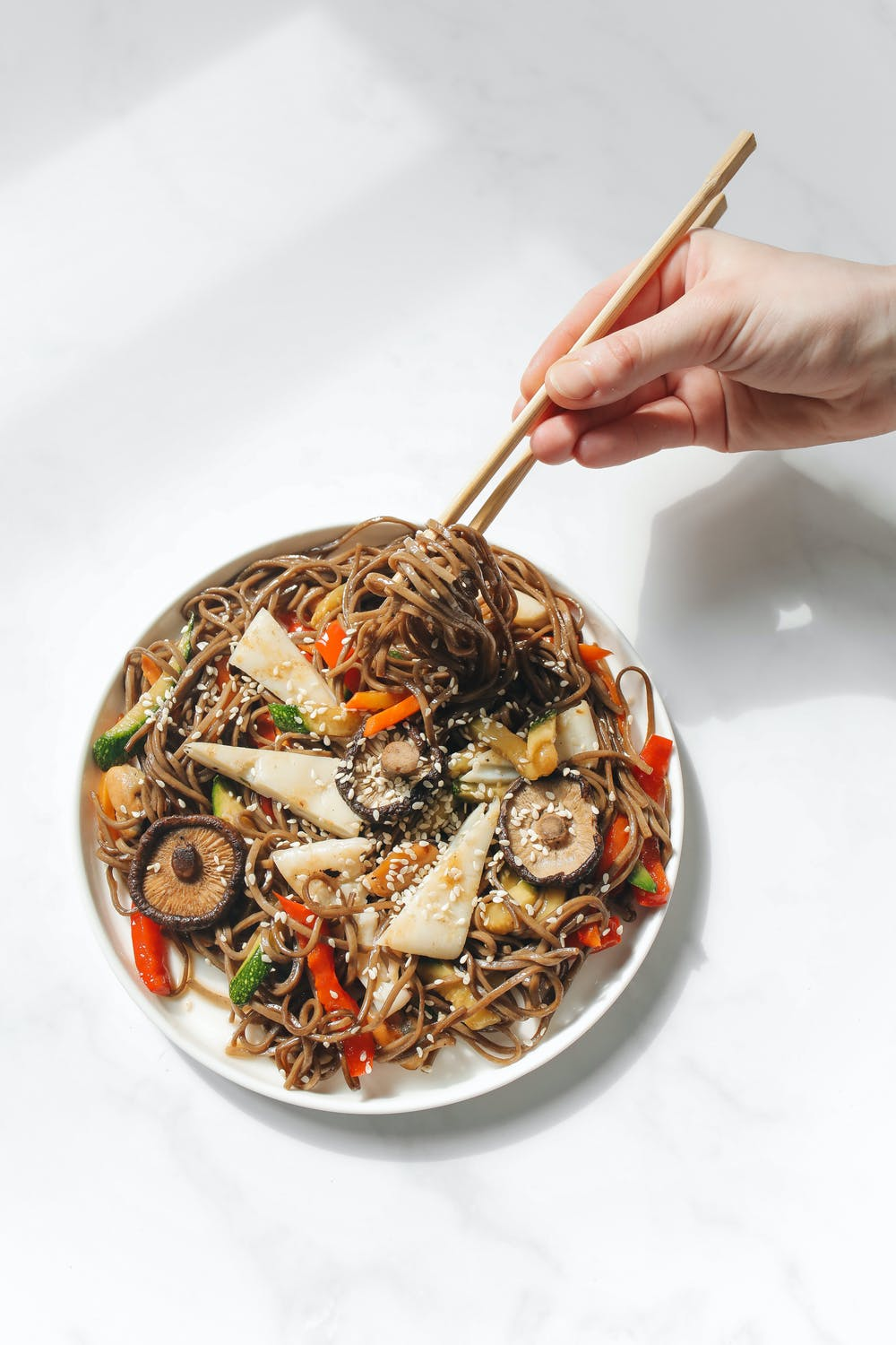 asian noodles with tofu and mushrooms