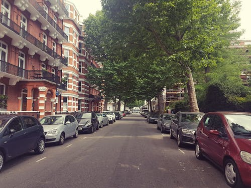 Foto d'estoc gratuïta de aparcament, carrer