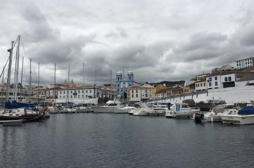 Free stock photo of Agua de mar, barcos, Iglesia, navegar