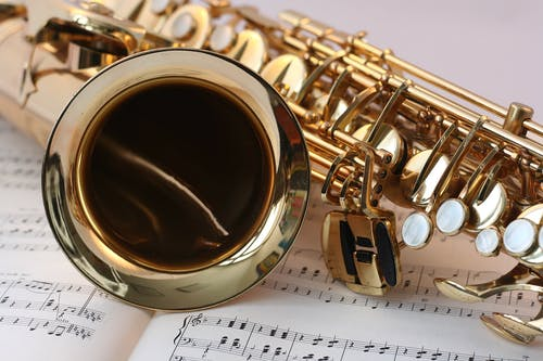 Kostenloses Stock Foto zu abschnitt, glanz, gold, holzblasinstrument