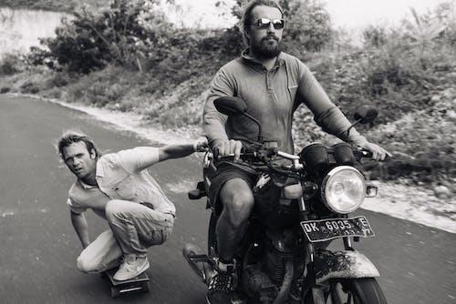 Základová fotografie zdarma na téma adrenalin, aktivita, asfalt, biker