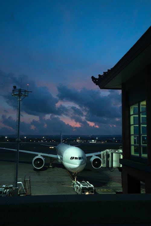 açık hava, akşam, akşam karanlığı, alaca karanlık içeren Ücretsiz stok fotoğraf