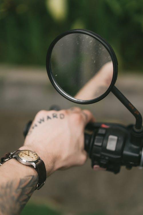 강한, 거리, 남성, 남성 명사의 무료 스톡 사진