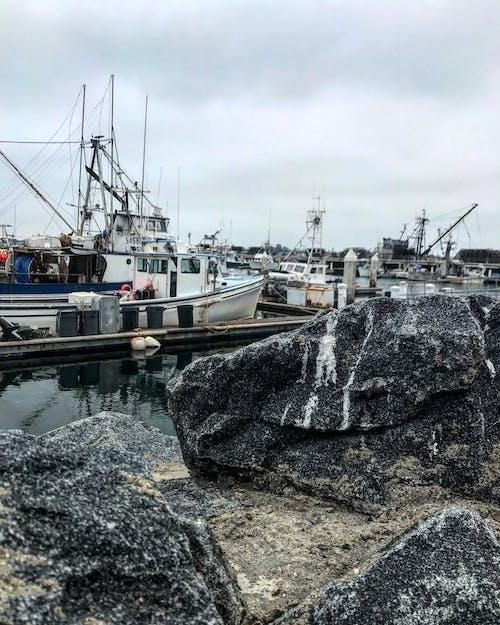 Základová fotografie zdarma na téma čluny, oceán, rybářský člun