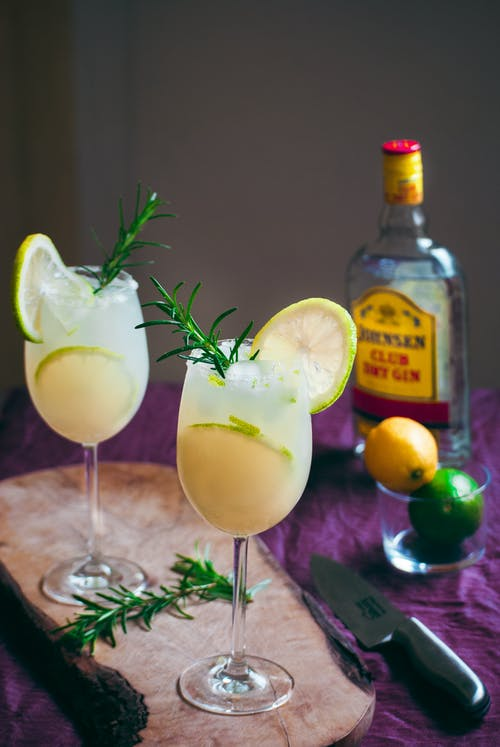 Cocktail Drinks in a Wine Glass with Lemon