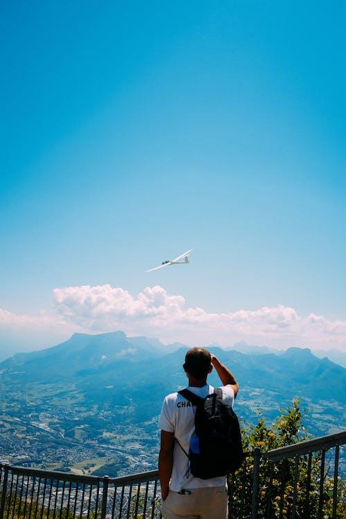 Kostenloses Stock Foto zu abenteuer, berg, blauer himmel, draußen