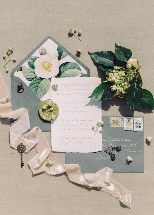Decoración De Pared Floral Blanca Y Verde