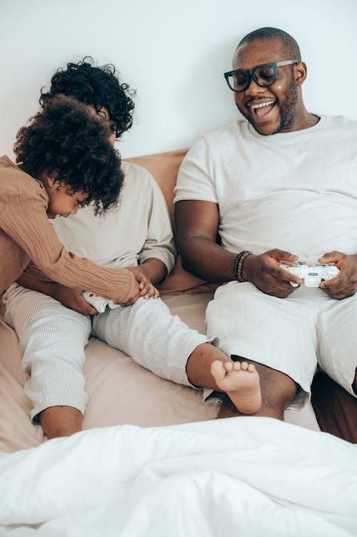 Immagine gratuita di a casa, adorabile, afro-americano, amore