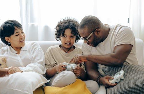 açıklamak, Afrikalı Amerikalı, aile, aktivite içeren Ücretsiz stok fotoğraf