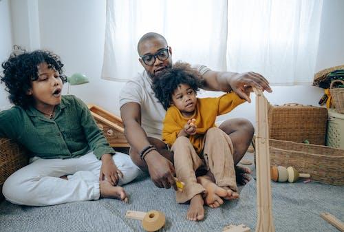Fotos de stock gratuitas de adentro, afroamericano, apartamento
