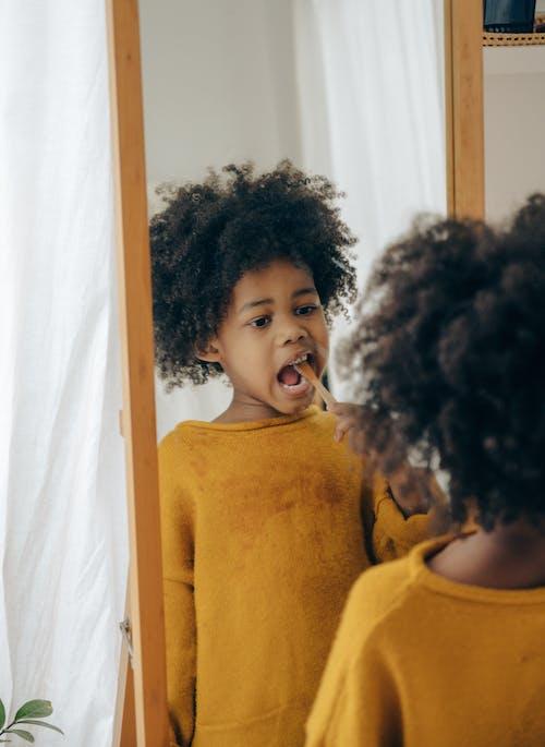 アパート, アフリカ系アメリカ人, アフロ, インドアの無料の写真素材