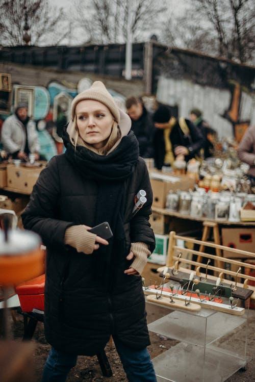 걸레 박람회, 공공 장소, 금발, 맑은의 무료 스톡 사진
