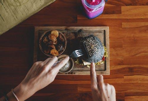 Δωρεάν στοκ φωτογραφιών με cafe, lifestyle, yummy, αγνώριστος