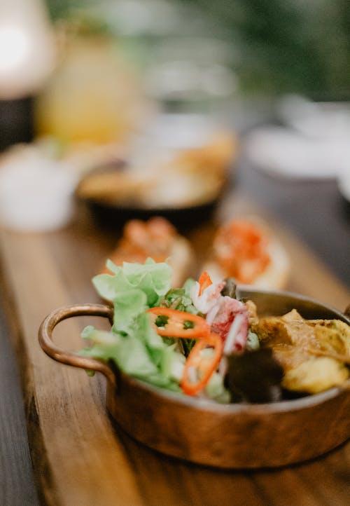 Fotos de stock gratuitas de abastecer, adentro, almuerzo, aperitivo
