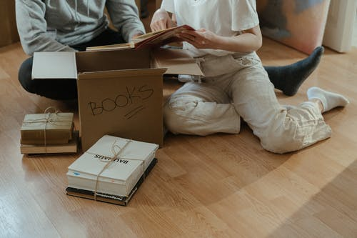 Foto stok gratis album foto, Apartemen, barang, berbasis teks