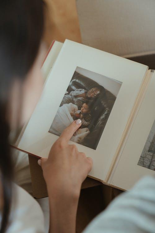 Foto profissional grátis de álbum de fotos, arca, arcas