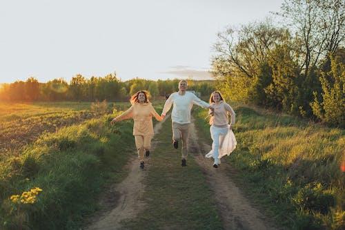 Fotos de stock gratuitas de al aire libre, alegre, alegría