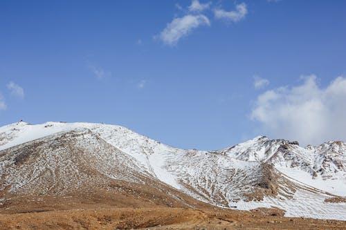 Darmowe zdjęcie z galerii z badać, błękitne niebo, cichy, czapka śnieżna