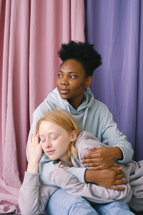 Бесплатное стоковое фото с афро-американка, близость, Взрослый, влюбленная пара