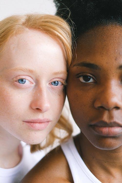 Gratis stockfoto met Afro-Amerikaanse vrouw, blond haar, blonde haren, blondine