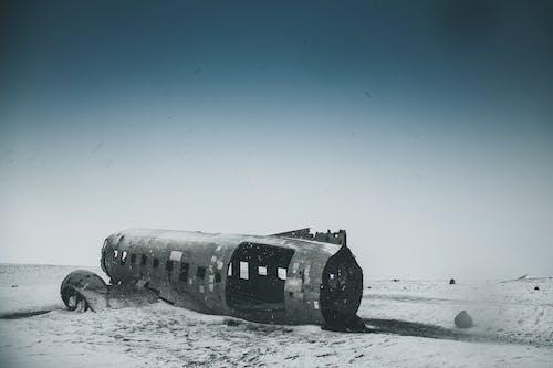 Бесплатное стоковое фото с буря, вода, заброшенный, зима