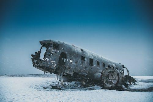 Бесплатное стоковое фото с заброшенный, зима, лед, мороз