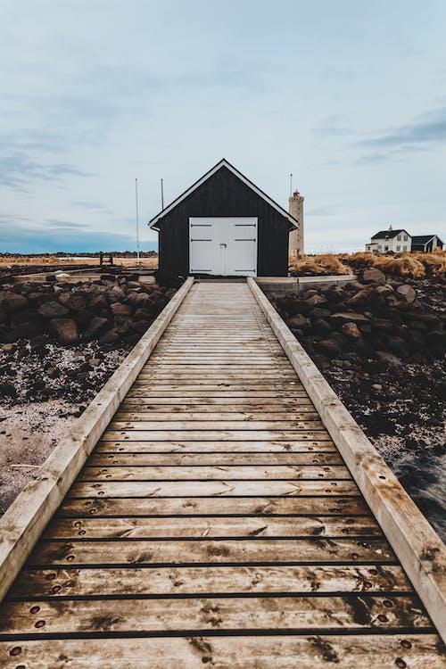 Бесплатное стоковое фото с архитектура, бревно, вода, деревенский