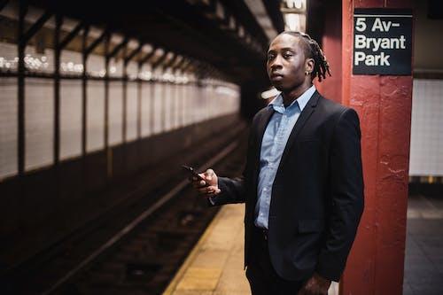 Fotos de stock gratuitas de afroamericano, americano, artilugio, calma