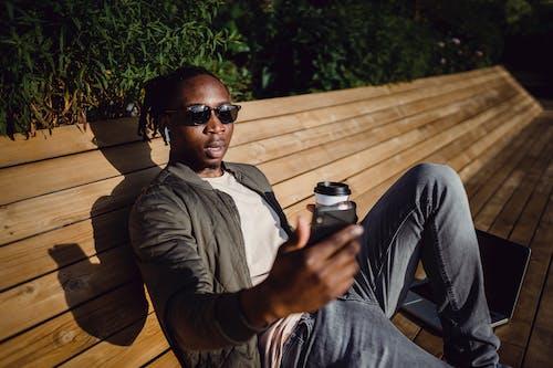 Δωρεάν στοκ φωτογραφιών με casual, gadget, laptop, lifestyle